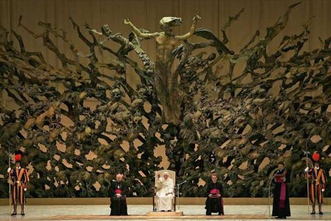 Resurrection (?) sculpture in one of the popes throne rooms in Paul VI Hall
